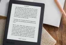 Compact_and_comfortable_kobo_eReader_CA