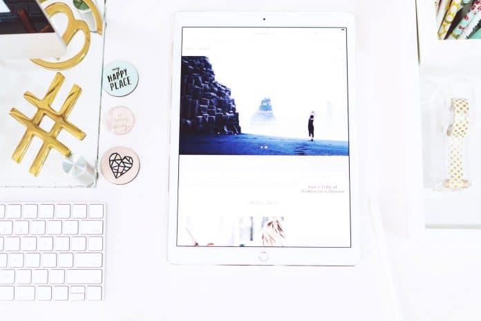 hey-beauti-magazine-646061-unsplash-adiconsum-hashtag