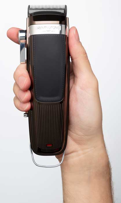 HC9100-Heritage-Hair-Clipper-In-Hand_396949