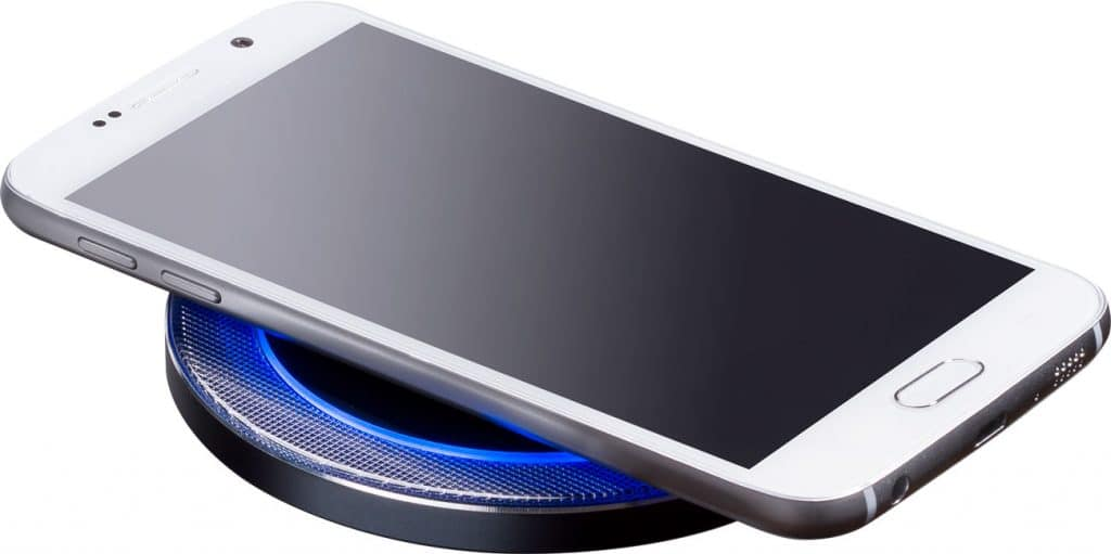 Wireless_Charger_smartphone