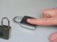 Per sbloccare un lucchetto digitale Indigo Lock non serve la chiave, ma basta un dito