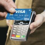 Visa-contactless-payment-moment
