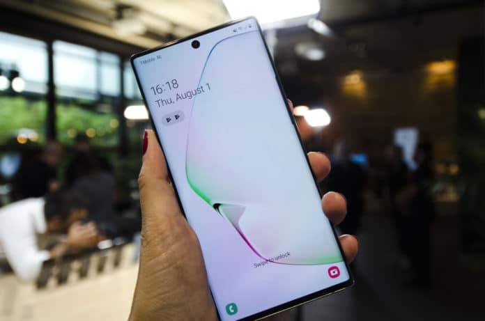 """Samsung Galaxy Note 10: ecco il focus sul modello """"base"""""""