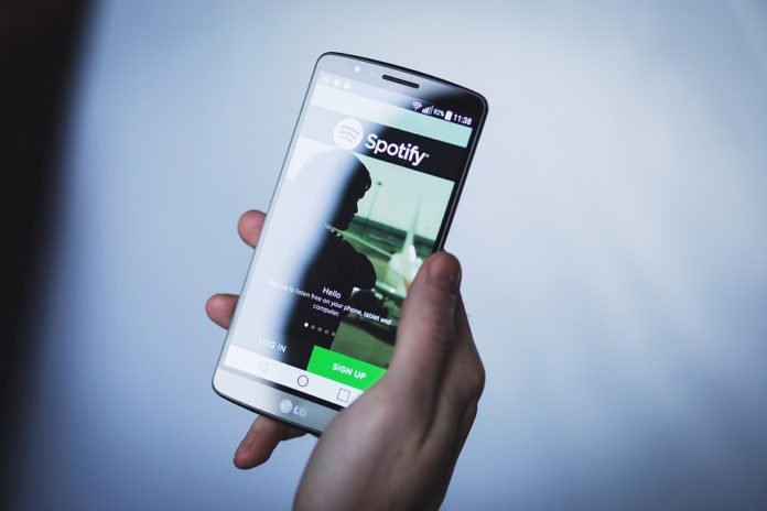 Spotify: ora anche i podcast potranno essere aggiunti alle playlist