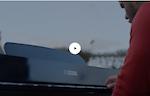 OnePlus apre la stagione delle Feste con il suo primo filmato di Natale