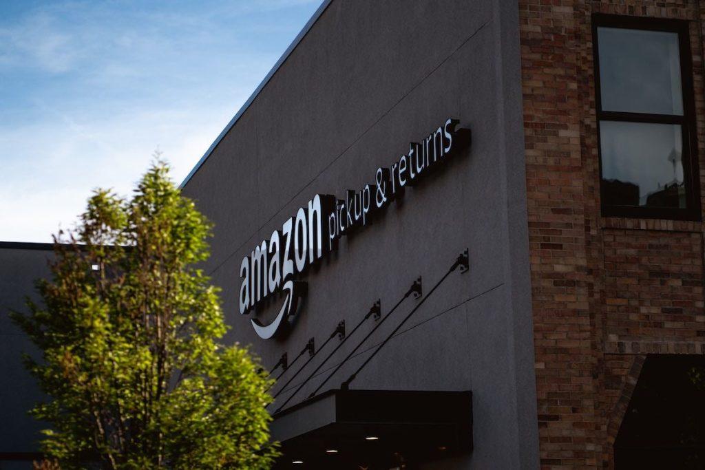 A più riprese, nel corso degli anni, Amazon ha cercato di entrare nel business del vino, quasi sempre con risultati rivedibili.