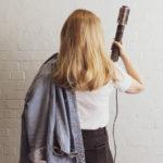 Remington presenta la nuova spazzola rotante Curl & Straight Confidence