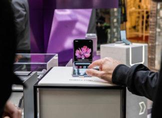 Samsung inaugura a Milano il pop-up store dedicato a Galaxy Z Flip