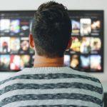 Netflix ha anche un impatto sull'ambiente? L'analisi di Save on Energy